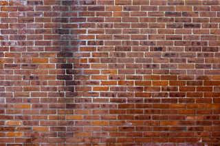 Old brick 0010