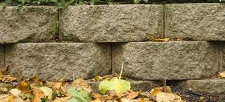 Rough brick 0012