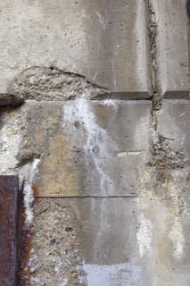 Cracked and crumbling concrete 0005