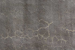 Cracked and crumbling concrete 0036
