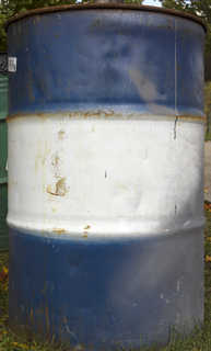 Oil drums and fuel tanks 0008