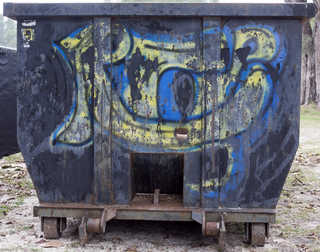 Trash containers 0030