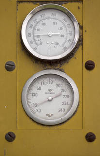 Buttons and gauges 0024