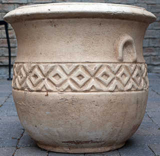 Pottery and garden ornaments 0002