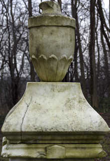 Pottery and garden ornaments 0025