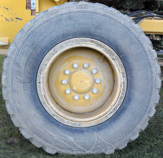 Tires and rims 0028