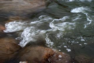 Foam and rapids 0012