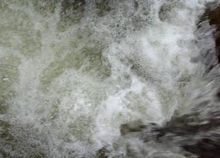 Foam and rapids 0020