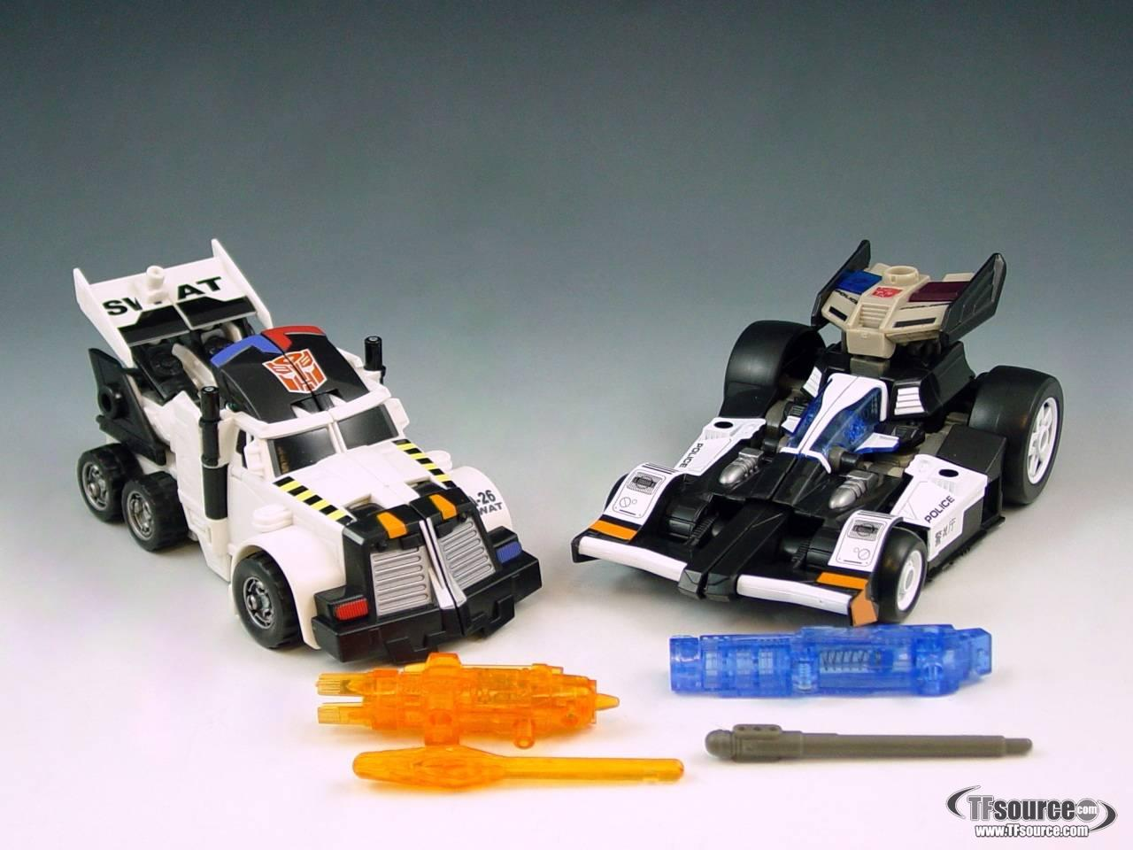 Energon - S.W.A.T. Team (Prowl and Checkpoint) - Loose - 100% Complete