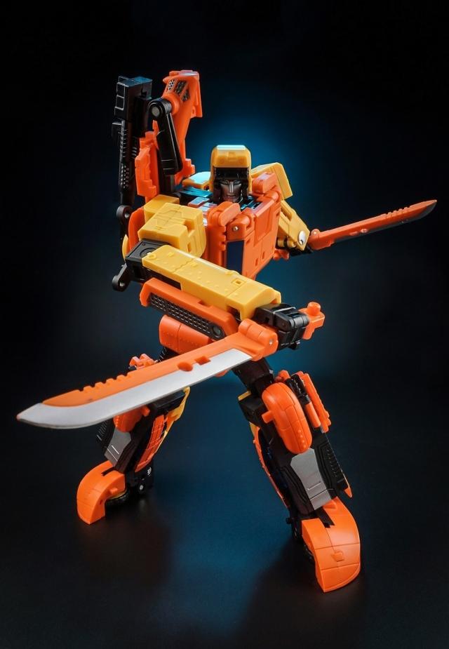 Unique Toys - Y-03 - Sworder