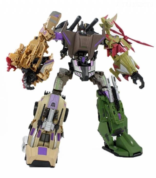Transformers 2012 - SDCC Bruticus W/Boosticus Upgrade Kit - Loose - 100% Complete