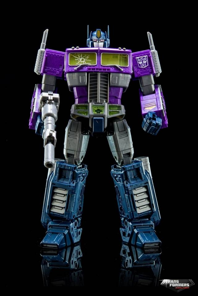 Masterpiece Shattered Glass Optimus Prime - MISB