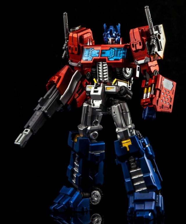 Make Toys MTCD01P Striker Manus Premium Edition   Cross Dimension