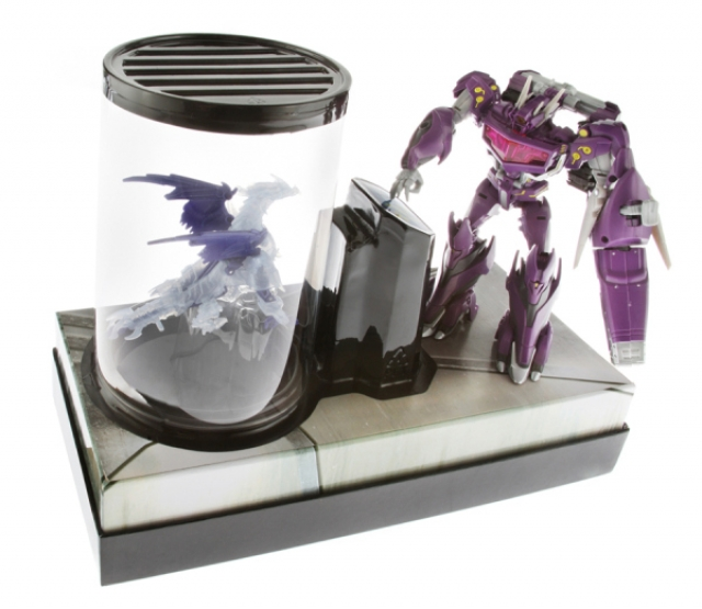 SDCC 2013 - Exclusive - Transformers Shockwave's Laboratory