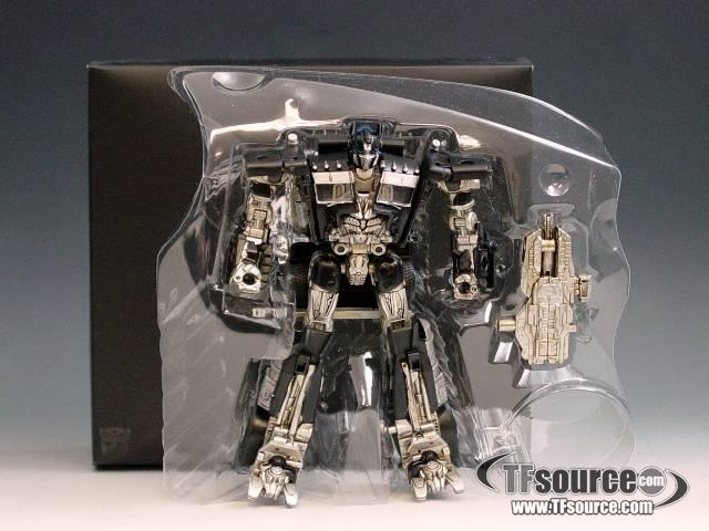 DOTM - Milk Exclusive - Deluxe Class Optimus Prime Black Version - MIB - 100% Complete