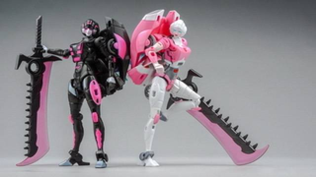 BLZ-06 BEELZEBOSS IRON LADY  ADD-ONS FOR GENERATIONS ARCEE /& CHROMIA,In stock!