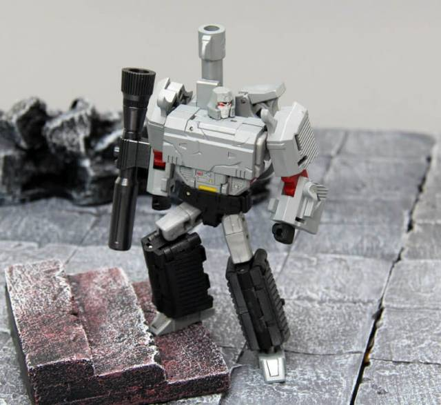 New Transformers DX9 X13D War In Pocket Mightron Battle damaged Ver.In Stock