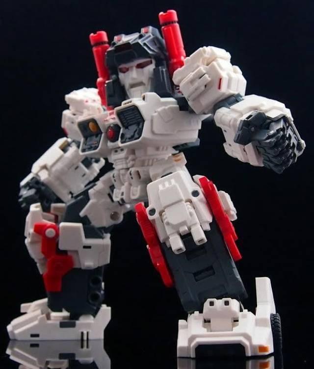 Master Made - SDT-01 - Titan