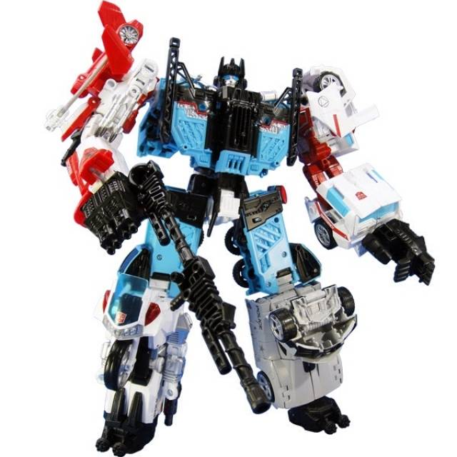 Transformers Unite Warriors - UW-03 - Defensor Set w/ Exclusive Groove Figure