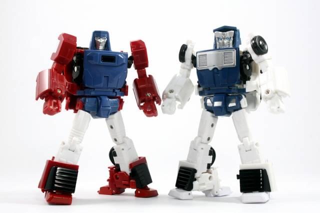 X-Transbots Master Mini - MM-VI Boost and MM-VII Hatch Set (Cartoon Version)