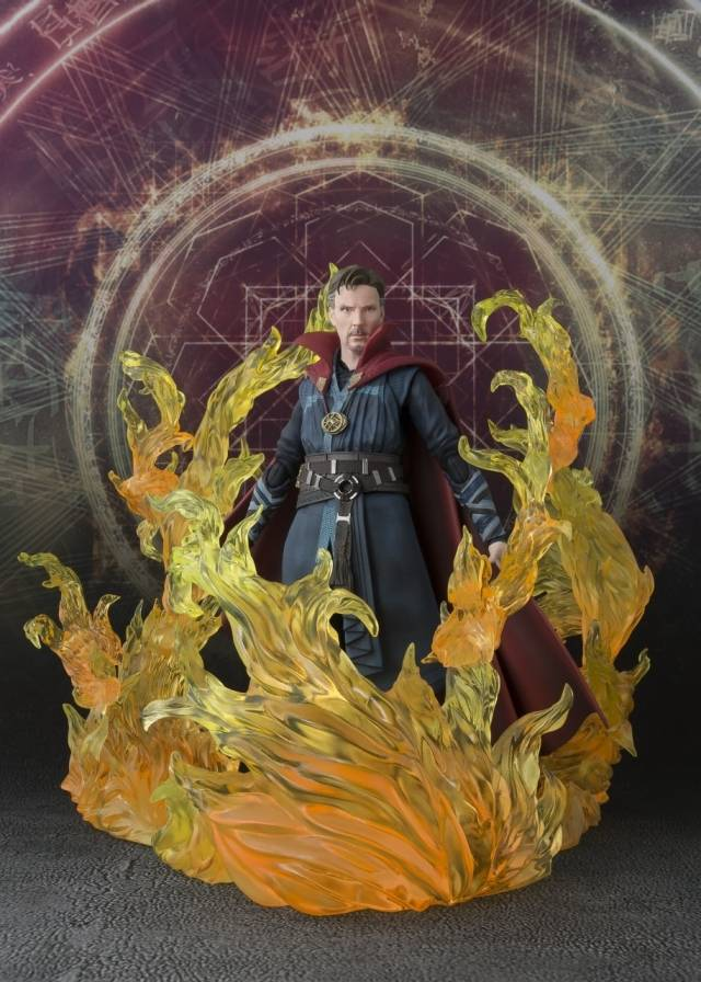 S.H. Figuarts - Doctor Strange & Burning Flame Set