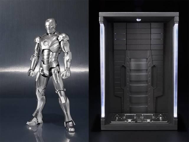 S.H. Figuarts - Iron Man - Mark II & Hall of Armor Set