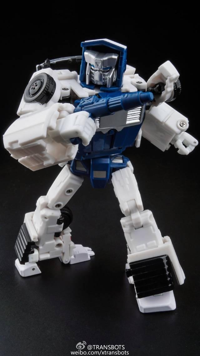 X-Transbots MM-VII Hatch - MIB - Toon Version