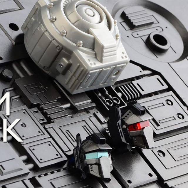 MoDel - Model-003 - MP-08 Masterpiece Grimlock - Light up Head