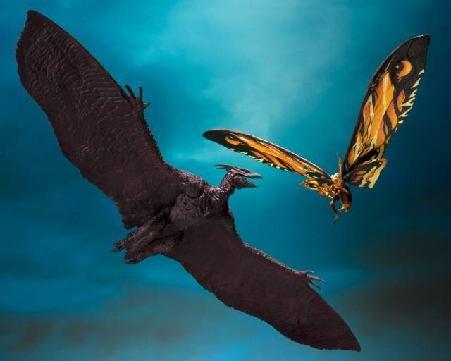 Godzilla King of the Monsters S.H. MonsterArts Mothra & Rodan Set