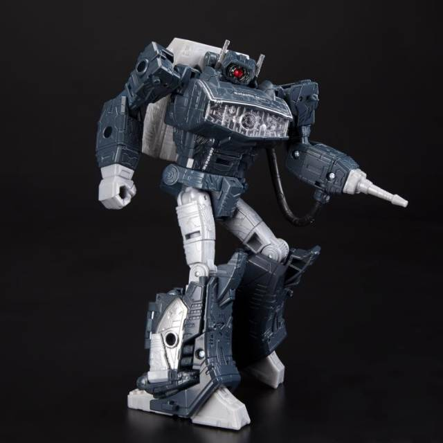Transformers Generations Selects Leader Shockwave Exclusive