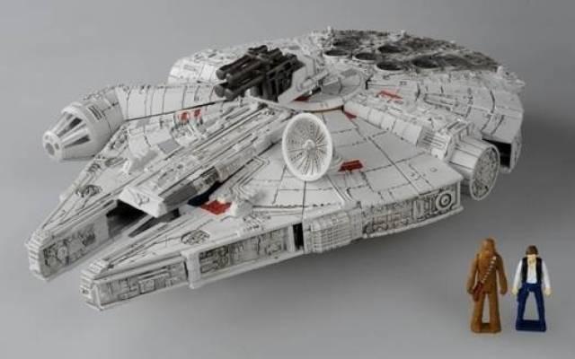Star Wars Powered by Transformers - Millennium Falcon - MISB