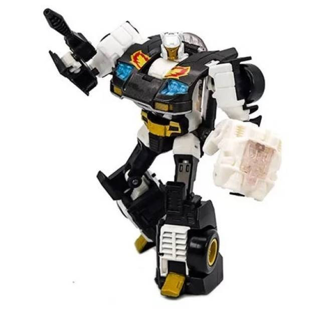 Transformers Generations Selects Deluxe Ricochet - Stepper - MIB