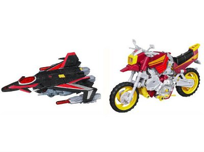 Transformers 2011 - Generations Series 05 - Sky Shadow and Junkheap