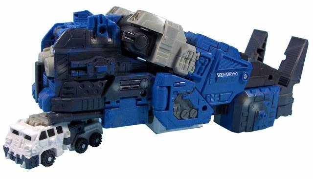 Energon - Ultra Magnus with Knock Out - Loose - As Is