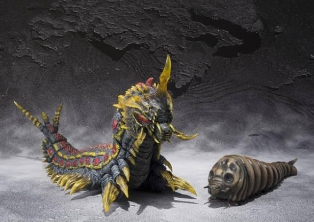 S.H.MonsterArts - Mothra & Battra Larva Set