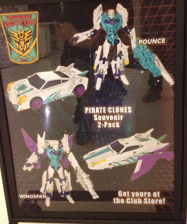 Botcon 2014 - Pirates vs. Knights - Pounce & Wingspan - Souvenir Set