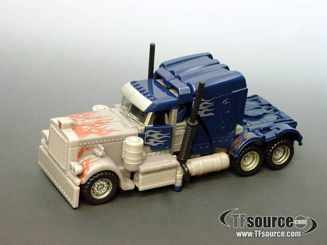 ROTF - Voyager Series - Defender Optimus Prime - Loose - 100% Complete