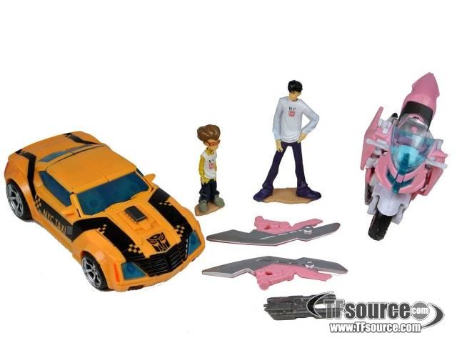 Transformers Prime - Bumblebee and Arcee (with Jack Darby and Raf Esquivel) - Loose - 100% Complete