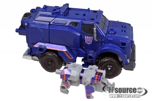 Japanese Transformers Prime - Voyager  Breakdown - Loose - 100% Complete