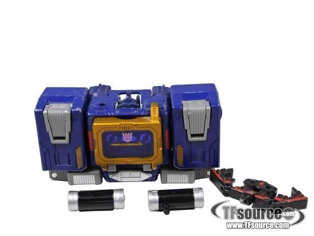Titanium - Soundwave with Laserbeak - Loose - 100% Complete