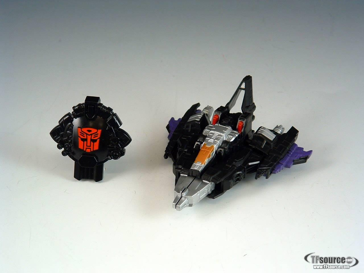 SDCC 2005 Exclusive - Cybertron Skywarp - Loose - 100% Complete