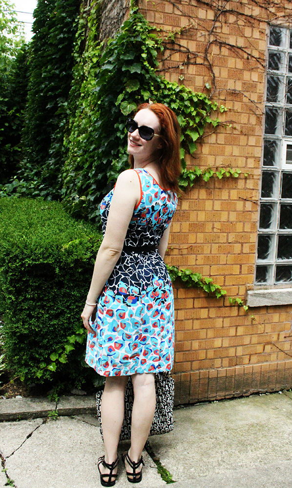 Casual sundress look via ThredUp | That Redhead