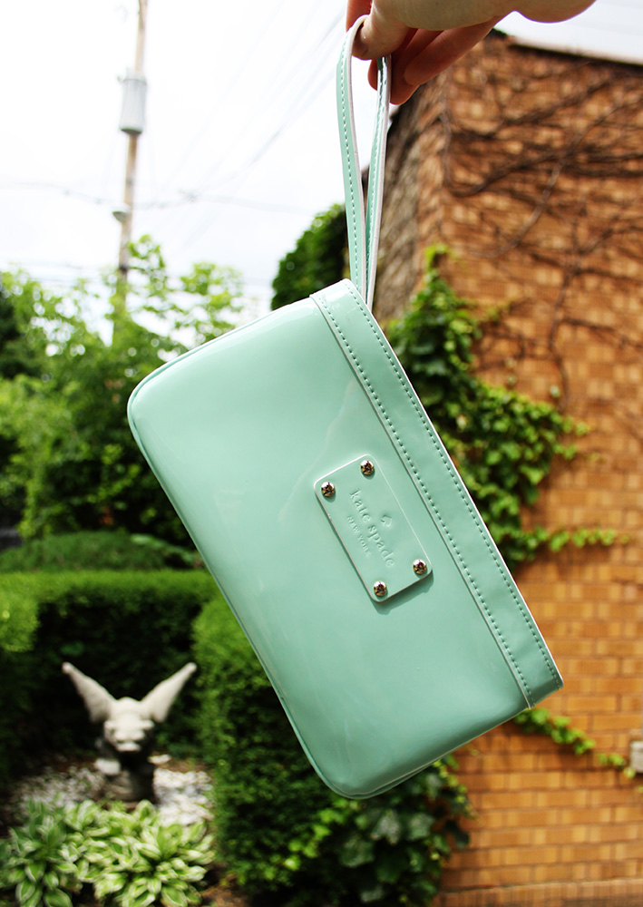 Mint green Kate Spade wristlet via ThredUp | That Redhead