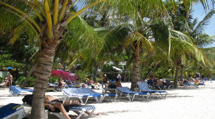 Coconut Court Beach Hotel Gives A Cheap All Inclusive Package Deal