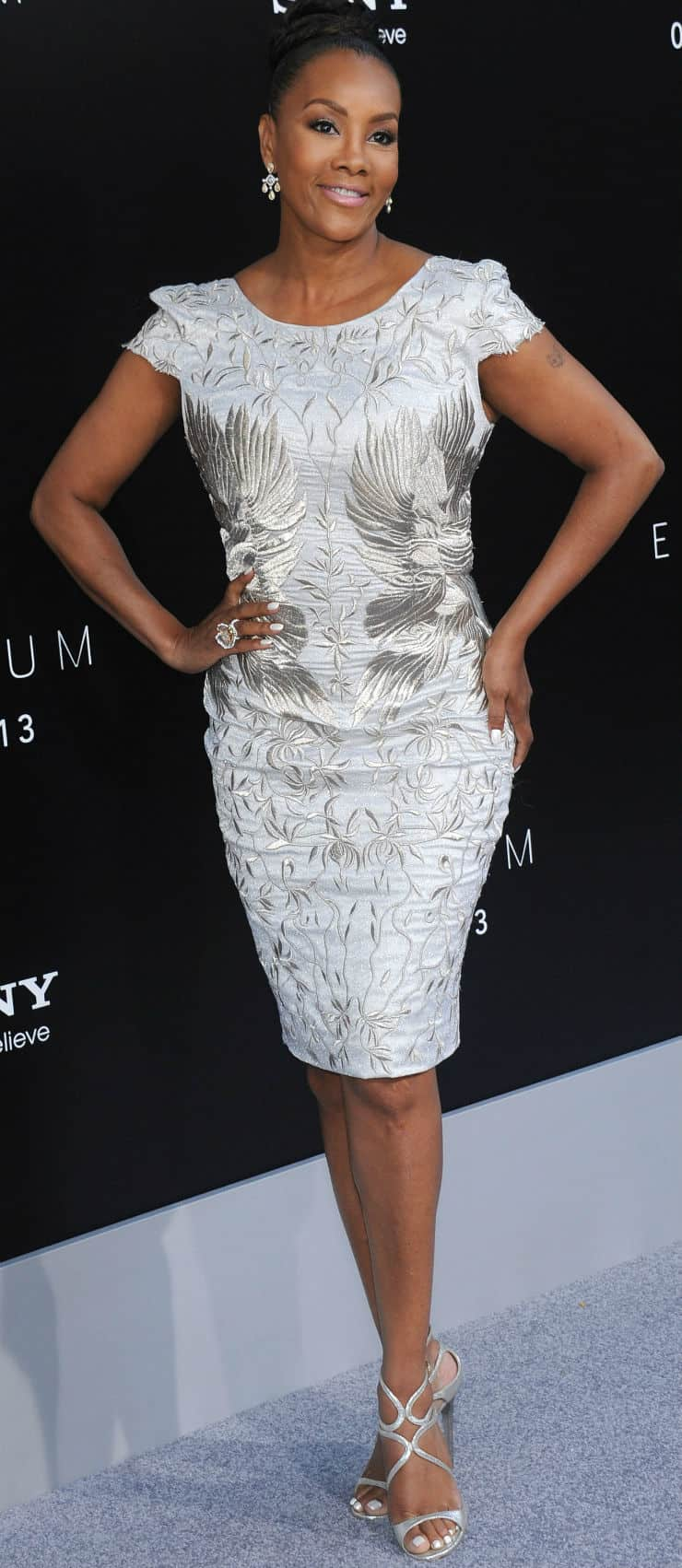 Vivica wrap dress - Vivica Fox Has A Style That Can Be Termed As Normal This Is What I Like About Her She Does Not Really Dress In A High End Elegant Manner But She Still