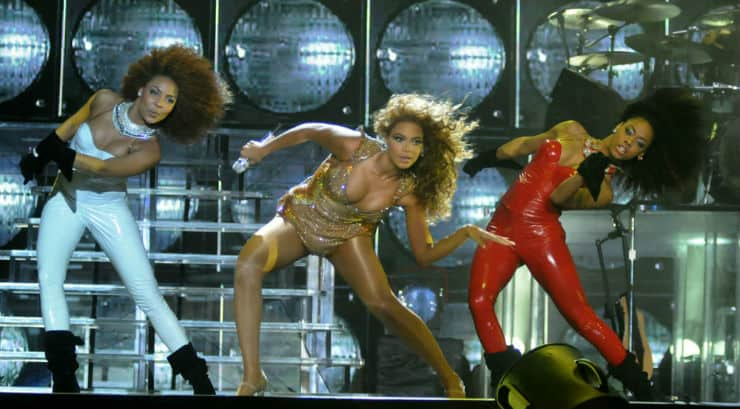 Beyonce dancing on stage getting her body fit