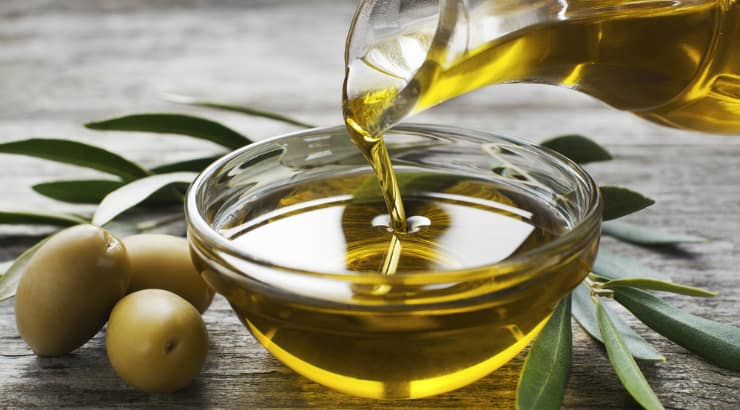 Olive oil is a good alternative to nut oil