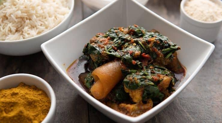 Popular Nigerian dishes include jollof rice, dodo, and egusi soup.