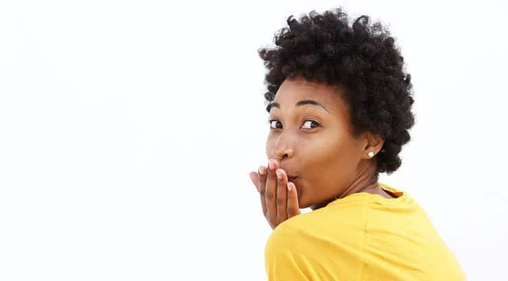 One con to curl sponges is that if used incorrectly, you could cause your hair to experience breakage.