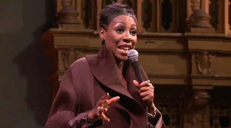 """Gina Yashere is a black comedian from London who's stand up performance """"Laughing to America"""" is available on Netflix."""